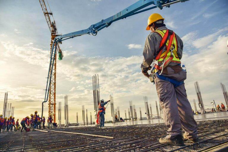 Bauarbeiter Kran Bauwirtschaft